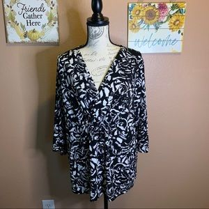 George size 20 black and white blouse